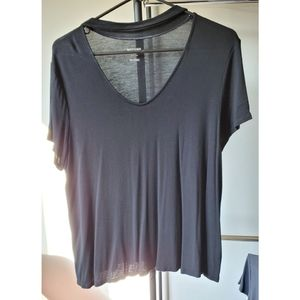 Choker collar black t-shirt